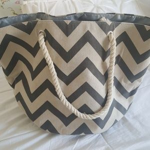 Handbags - Chevron Beach Tote